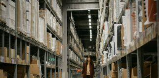 How to Start a Warehouse Business